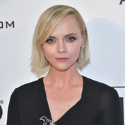 Christina Ricci looked cute with her short straight cut at the 2019 Elton John AIDS Foundation Oscar-viewing party.