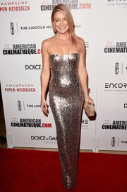 Kate Hudson served up a heavy dose of sexy glamour at the American Cinematheque Award in a fully sequined Jenny Packham strapless gown that flowed fluidly down her body.