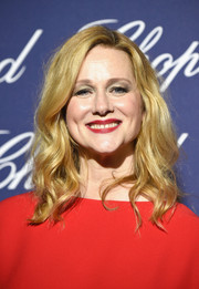 Laura Linney looked lovely with her shoulder-length waves at the Palm Springs International Film Festival.