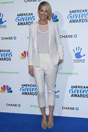 It might have been December, but Jenna Elfman wasn't afraid to wear capris OR head-to-toe white at the 2nd Annual American Giving Awards.
