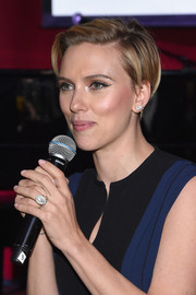 Scarlett Johansson sported a punky short 'do at the Hurricane Sandy Fundraiser.