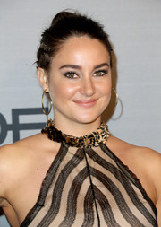 Shailene Woodley sported a punky bun at the InStyle Awards.