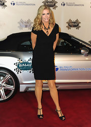 Shannon Tweed teamed up her dress with a pair of sexy T-strap heels.