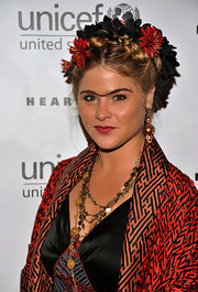 Jenna Bush wore exotic red and gold chandelier earrings to the 2nd Annual UNICEF Masquerade Ball.