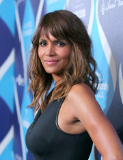 Halle Berry sported beachy waves with wispy bangs at the unite4:humanity event.