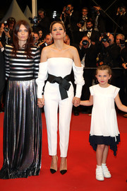Marion Cotillard went for easy glamour in a white Armani Privé off-the-shoulder top at the Cannes Film Festival screening of '3 Faces.'