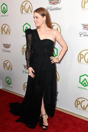 Amy Adams chose a black one-shoulder gown by Dundas for the 2019 Producers Guild Awards.