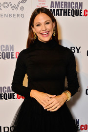 Jennifer Garner kept it low-key in a black turtleneck at the 2018 American Cinematheque Award.