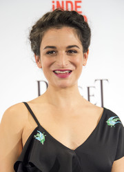 Jenny Slate attended the Film Independent Spirit Awards nominations press conference wearing this classic braided updo.