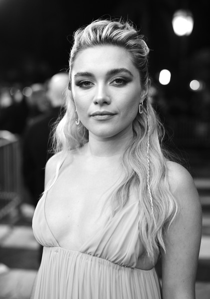 Florence Pugh looked boho-glam with her half-up waves at the Virtuosos Award presentation during the 2020 Santa Barbara International Film Festival.