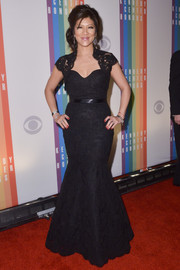 Julie Chen attended the Kennedy Center Honors Gala wearing a super-lovely black lace mermaid gown.