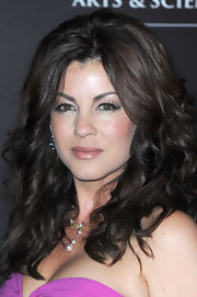Julie Pinson showed off her medium length curls full of volume and bounce.