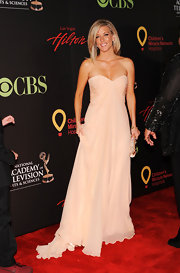 Laura looked regal at the Daytime Emmy Awards in a strapless chiffon evening gown.