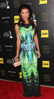 Jacqueline MacInnes Wood looked striking in her print column dress at the Daytime Emmy Awards.