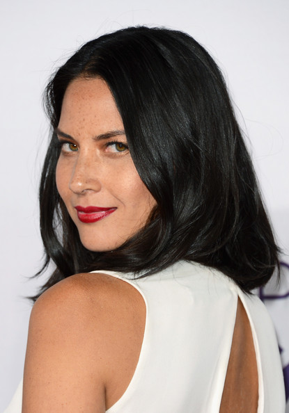 More Pics of Olivia Munn Medium Wavy Cut (2 of 15) - Shoulder Length Hairstyles Lookbook - StyleBistro
