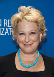 Bette Midler attended the 2014 Help Haiti Home Gala wearing a short messy hairstyle.