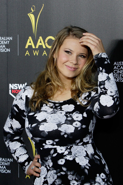 Bindi Irwin styled her hair in long beachy waves for the AACTA event in Sydney.