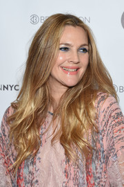 Drew Barrymore's blue eyeshadow worked beautifully with her pink lipstick.