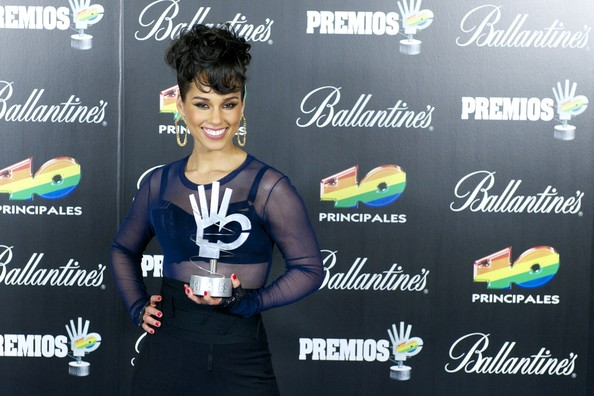 More Pics of Alicia Keys Pompadour (2 of 10) - Pompadour Lookbook - StyleBistro