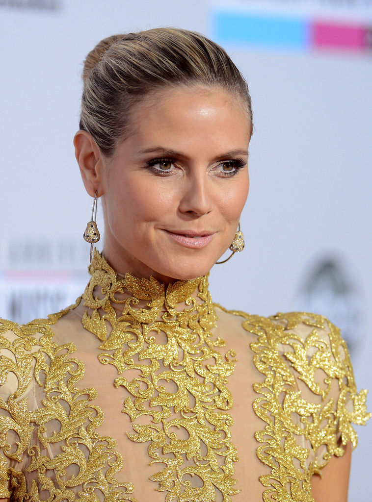 Model Heidi Klum attends the 40th American Music Awards held at Nokia Theatre L.A. Live on November 18, 2012 in Los Angeles, California.