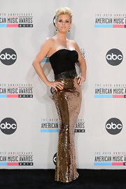Jenny McCarthy looked simply statuesque in a fitted strapless gown dripping in sequins.