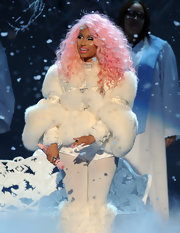 Nicki Minaj looked like a chic snowman all bundled up in this puffy fur coat.
