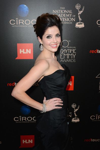 More Pics of Jen Lilley Mermaid Gown (1 of 5) - Mermaid Gown Lookbook - StyleBistro