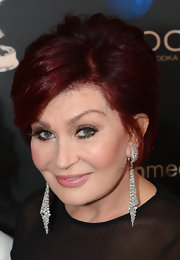 Sharon Osbourne attended the 40th Annual Daytime Emmy Awards wearing a pair of diamond-studded dangling earrings.