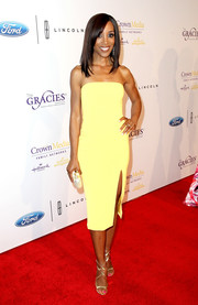 Shaun Robinson brightened up the Gracie Awards with this strapless yellow dress by Jay Godfrey.