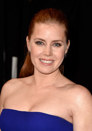 Amy Adams opted for a casual ponytail when she attended the People's Choice Awards.