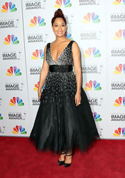Tracee Ellis Ross channeled the 'Black Swan' in this tulle dress at the NAACP Image Awards.