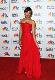 Tatyana Ali looked divine at the NAACP Image Awards in this red strapless gown.