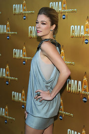 Singer LeAnn Rimes attended the 44th Annual CMA Awards wearing an oxidized sterling silver and pave diamond snake ring.