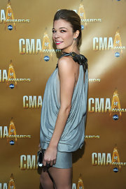 Singer LeAnn Rimes attended the 44th Annual CMA Awards wearing a pair of oxidized sterling silver and rose cut diamond stud earrings.