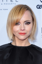Christina Ricci attended the International Emmy Awards wearing a cute bob with side-swept bangs.