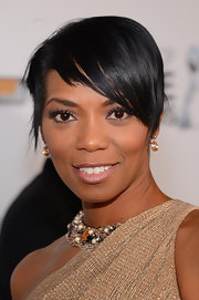 Vanessa Williams sported a super-short cut with layered side-swept bangs at the 2013 NAACP Image Awards.
