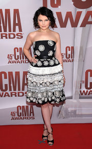 Ginnifer Goodwin accessorized her look at the CMA awards with strappy peep-toe sandals.