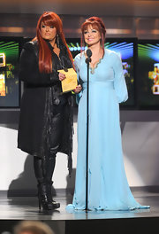 Wynonna performed at the ACMAs in a baby blue evening gown with a lovely knit drape.