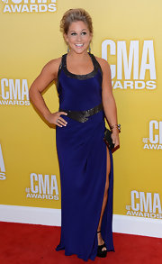 Shawn Johnson joined in on the country music fun, too! The petite blonde got all decked out in a navy satin dress with a hip-high slit.