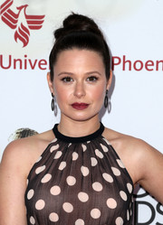 Katie Lowes wore an edgy yet elegant top knot at the NAACP Image Awards.