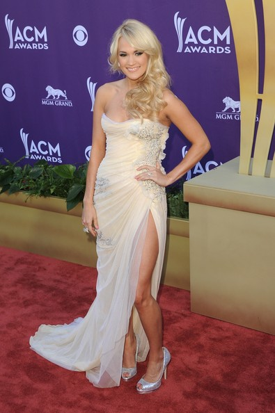 More Pics of Carrie Underwood Strapless Dress (5 of 22) - Dresses & Skirts Lookbook - StyleBistro