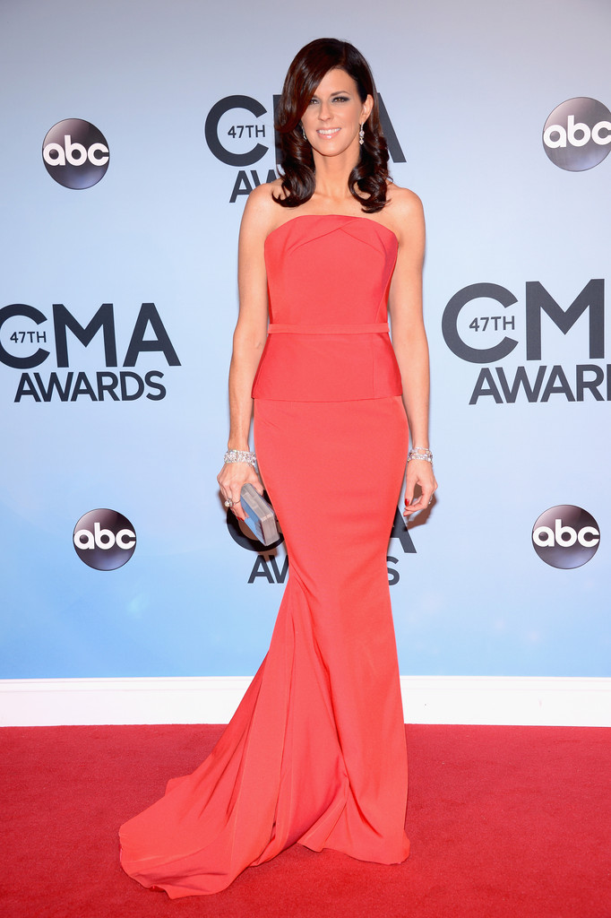 In crisp coral best dressed at the cma awards 2013 stylebistro