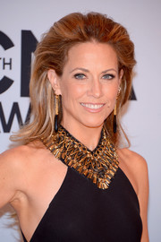Sheryl Crow made big hair look so elegant when she wore this teased 'do at the CMA Awards.