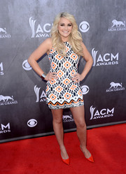 Jamie Lynn Spears chose a pair of bright red pumps to finish off her colorful ensemble.