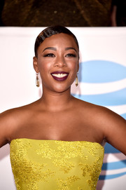 Samira Wiley channeled the '20s with this finger wave at the 2018 NAACP Image Awards.