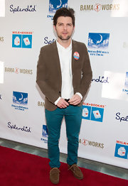 Adam Scott brightened his red carpet look with a pair of turquoise skinny pants.