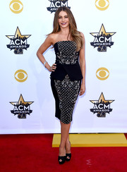 Sofia Vergara chose black Christian Louboutin Volpi peep-toe pumps to complete her outfit.