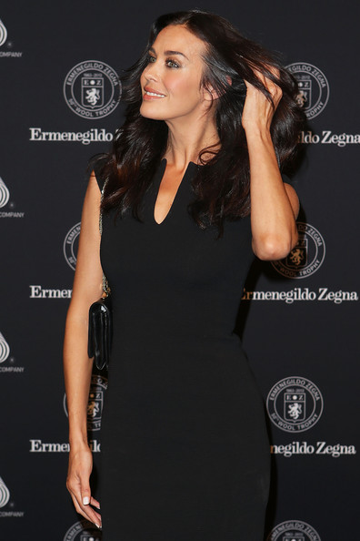 More Pics of Megan Gale Long Wavy Cut (1 of 10) - Long Wavy Cut Lookbook - StyleBistro