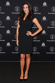 Megan Gale continued the classic theme with a pair of black pointy pumps.