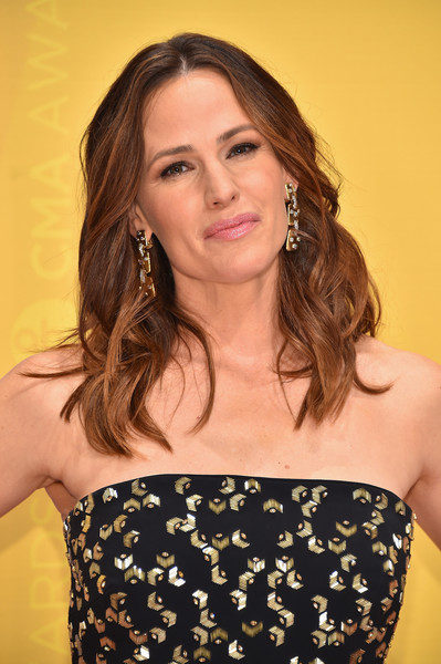 More Pics of Jennifer Garner Strapless Dress (1 of 6) - Jennifer Garner Lookbook - StyleBistro